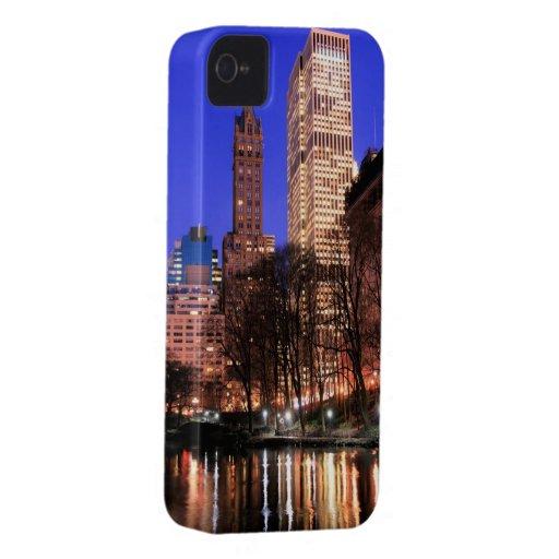 Horizonte de Manhattan en la noche, New York City iPhone 4 Carcasas