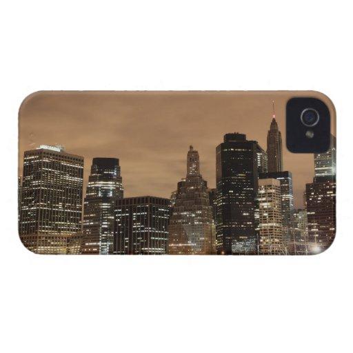 Horizonte de Manhattan en la noche, New York City iPhone 4 Case-Mate Cárcasas