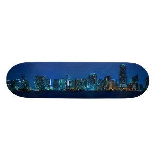Horizonte de Miami en el panorama de la noche - mo Monopatin Personalizado