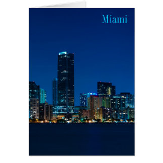 Horizonte de Miami en el panorama de la noche - ta Tarjeta