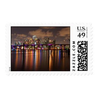 Horizonte de Miami en la noche - sellos