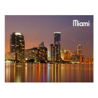 Horizonte de Miami en la oscuridad Tarjetas Postales