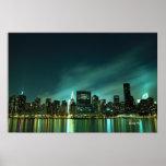 Horizonte de Midtown Manhattan en las luces de la  Poster