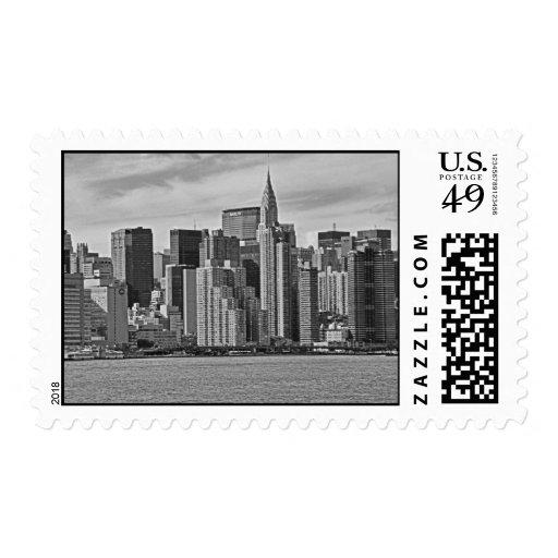 Horizonte de New York City del East River B&W