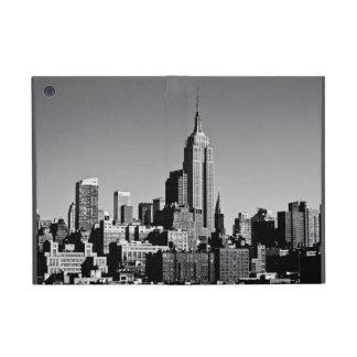 Horizonte de New York City en blanco y negro iPad Mini Cobertura