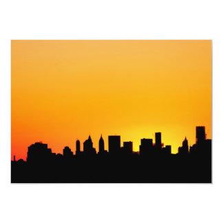 """Horizonte de New York City en la puesta del sol, Invitación 5"""" X 7"""""""