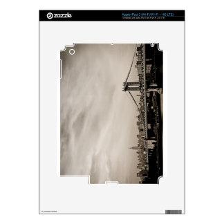 Horizonte de New York City y puente de Manhattan iPad 3 Skin