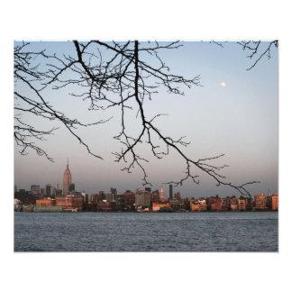 Horizonte de Nueva York con la luna Impresiones Fotograficas