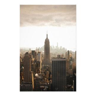 Horizonte de Nueva York - oscuridad - gris Papeleria De Diseño