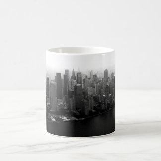 Horizonte de Nueva York Taza Básica Blanca