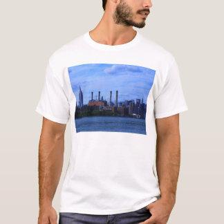 Horizonte de NYC East River: Rascacielos y Playera