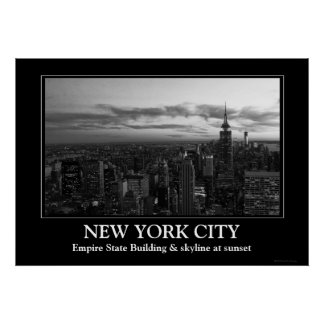 Horizonte de NYC, ESB WTC en la puesta del sol BW Poster