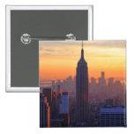 Horizonte de NYC: Puesta del sol del naranja del E Pin