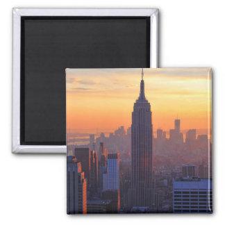 Horizonte de NYC: Puesta del sol del naranja del Imán Cuadrado