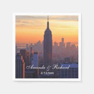 Horizonte de NYC: Puesta del sol del naranja del Servilleta De Papel