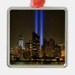 Horizonte de NYC: Tributo de WTC 9/11 en la luz 20 Ornaments Para Arbol De Navidad