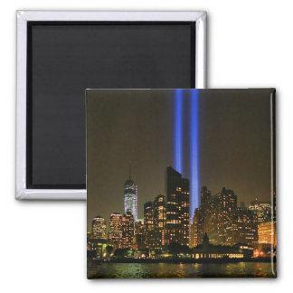 Horizonte de NYC Tributo de WTC 9 11 en la luz 20 Imanes De Nevera