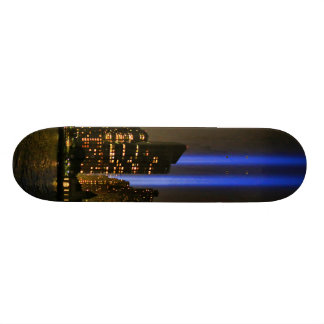 "Horizonte de NYC: Tributo de WTC 9/11 en la luz Patineta 7 3/4"""
