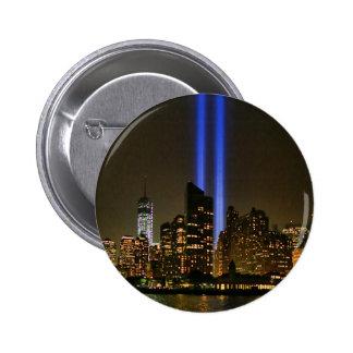 Horizonte de NYC: Tributo de WTC 9/11 en la luz Pin Redondo De 2 Pulgadas