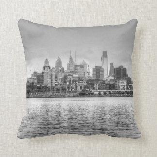 Horizonte de Philadelphia en blanco y negro Cojín