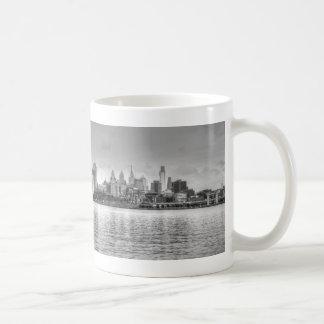 Horizonte de Philadelphia en blanco y negro Tazas De Café
