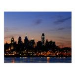 Horizonte de Philadelphia en la postal revisada cr