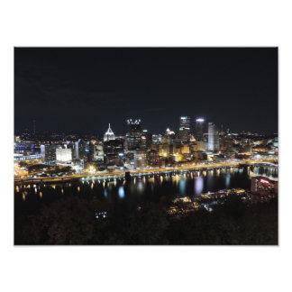 Horizonte de Pittsburgh en el poster de la noche Fotografía