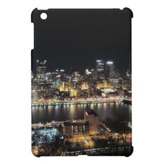 Horizonte de Pittsburgh en la noche