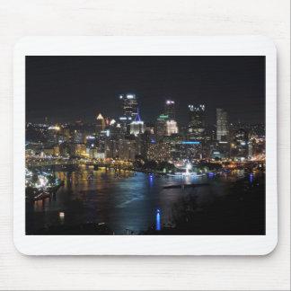 Horizonte de Pittsburgh en la noche Alfombrilla De Raton