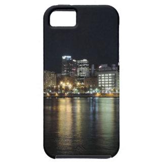 Horizonte de Pittsburgh en la noche del parque de  iPhone 5 Case-Mate Protectores