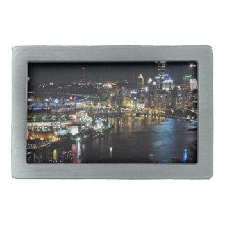 Horizonte de Pittsburgh en la noche Hebillas Cinturón Rectangulares
