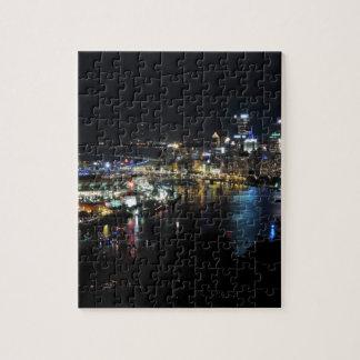 Horizonte de Pittsburgh en la noche Puzzle