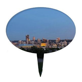 Horizonte de Pittsburgh en la oscuridad Figuras De Tarta