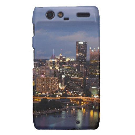 Horizonte de Pittsburgh en la oscuridad Motorola Droid RAZR Fundas