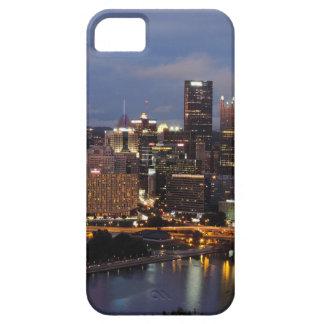 Horizonte de Pittsburgh en la oscuridad iPhone 5 Cobertura