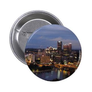 Horizonte de Pittsburgh en la oscuridad Pin