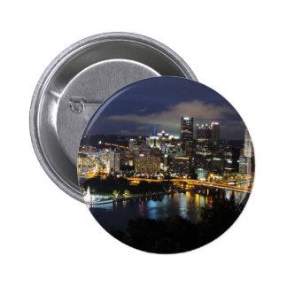 Horizonte de Pittsburgh en la oscuridad Pins