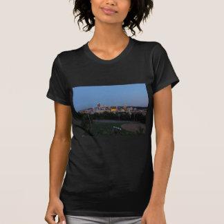 Horizonte de Pittsburgh en la oscuridad Camisetas
