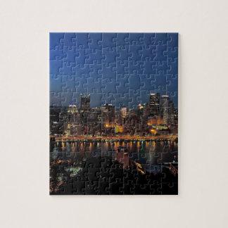Horizonte de Pittsburgh en la oscuridad Rompecabeza Con Fotos
