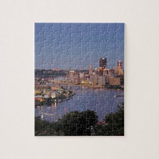 Horizonte de Pittsburgh en la oscuridad Puzzles Con Fotos