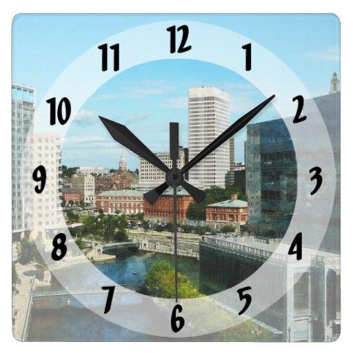 Horizonte de Providence RI Reloj De Pared