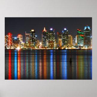 Horizonte de San Diego en la noche Posters