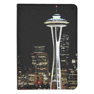 Horizonte de Seattle en la noche, con la aguja del Funda Para Kindle Touch