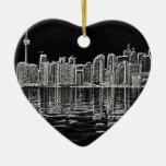 Horizonte de Toronto en blanco y negro Adorno Navideño De Cerámica En Forma De Corazón