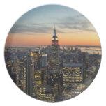 Horizonte del amanecer de Nueva York Platos De Comidas