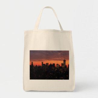 Horizonte del Lower Manhattan en el crepúsculo, Bolsa Tela Para La Compra
