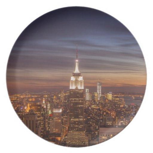 Horizonte del paisaje urbano de Nueva York - rasca Plato De Cena