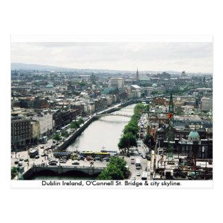 Horizonte del puente y de la ciudad de Dublín Postal