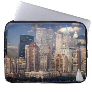 Horizonte Manhattan el Hudson de Nueva York Fundas Portátiles