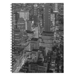 Horizonte rojo blanco negro de New York City Libros De Apuntes
